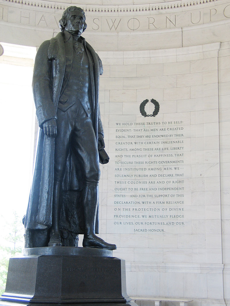 800px-Jefferson_Memorial_with_Declaration_preamble