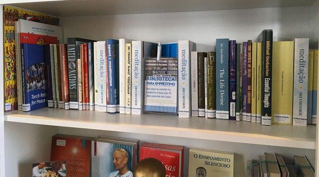 biblioteca da Casa Madal